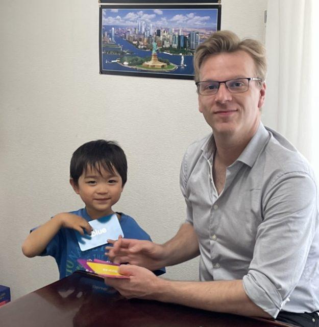 Mr. Bruno Mullenaerts, ベルギー出身、日本滞在10年以上、日本語も堪能です